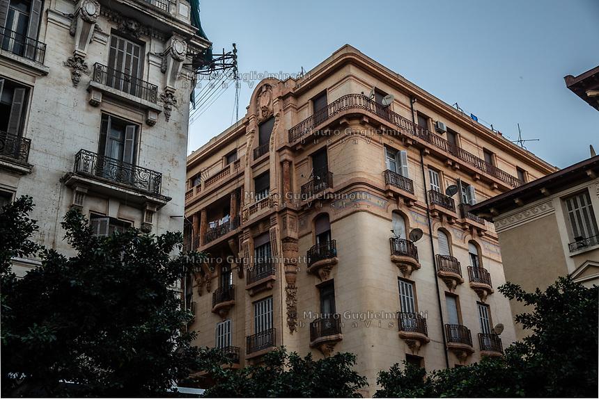 Edifici del centro di Oran, building in Oran center