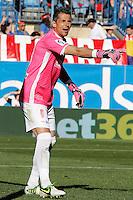 Granada's Roberto Fernandez during La Liga match.April 14,2013. (ALTERPHOTOS/Acero)