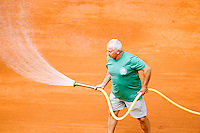 28-5-08, France,Paris, Tennis, Roland Garros,  Court Maintenance, spraying water