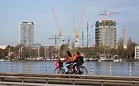 Nederland  Amsterdam -  2020.  Bouwen in Amsterdam Noord.   Foto : ANP/ HH / Berlinda van Dam