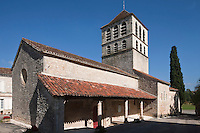 Europe/Europe/France/Midi-Pyrénées/46/Lot/Caillac:  L'église romane