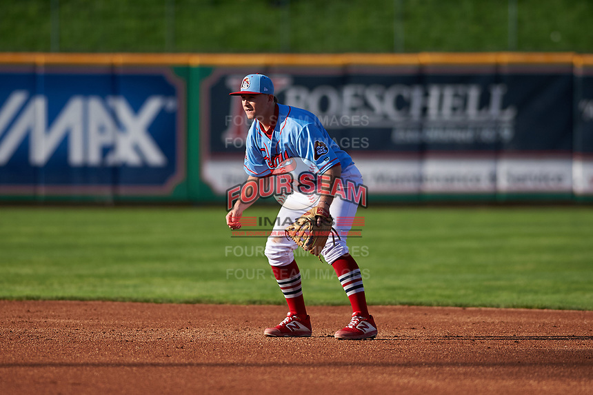 Peoria Chiefs second baseman Brendan Donovan (33) during a Midwest League game against the Bowling Green Hot Rods at Dozer Park on May 5, 2019 in Peoria, Illinois. Peoria defeated Bowling Green 11-3. (Zachary Lucy/Four Seam Images)