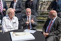 Pressekonferenz am Donnerstag den 23. August 2018 u.a. mit Lothar de Maiziere, letzter DDR- Ministerpraesident, Sabine Bergmann-Pohl, Praesidentin der letzten Volkskammer der DDR, Guenter Nooke, ehemaliger DDR-Buergerrechtler und Wolfgang Thierse ehemaliger Bundestagspraesident zum geplanten Freiheits- und Einheitsdenkmal, welches nach Willen der Initiatoren vor dem wiedererrichteten Berliner Stadtschloss gebaut werden soll.<br /> Im Bild vlnr.: Wolfgang Thierse, Lothar de Maiziere und Guenter Nooke.<br /> 23.8.2018, Berlin<br /> Copyright: Christian-Ditsch.de<br /> [Inhaltsveraendernde Manipulation des Fotos nur nach ausdruecklicher Genehmigung des Fotografen. Vereinbarungen ueber Abtretung von Persoenlichkeitsrechten/Model Release der abgebildeten Person/Personen liegen nicht vor. NO MODEL RELEASE! Nur fuer Redaktionelle Zwecke. Don't publish without copyright Christian-Ditsch.de, Veroeffentlichung nur mit Fotografennennung, sowie gegen Honorar, MwSt. und Beleg. Konto: I N G - D i B a, IBAN DE58500105175400192269, BIC INGDDEFFXXX, Kontakt: post@christian-ditsch.de<br /> Bei der Bearbeitung der Dateiinformationen darf die Urheberkennzeichnung in den EXIF- und  IPTC-Daten nicht entfernt werden, diese sind in digitalen Medien nach §95c UrhG rechtlich geschuetzt. Der Urhebervermerk wird gemaess §13 UrhG verlangt.]
