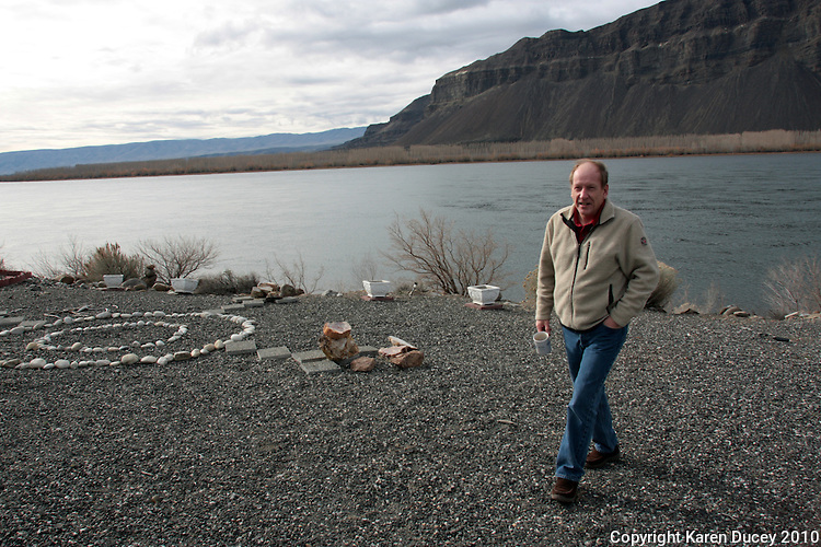 Bruce Howden lives along the Columbia River in Washington on February 8, 2011.  (photo credit Karen Ducey)