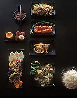 Asie/Japon/Kyoto: Table dressée - Menu complet dans un restaurant