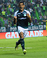 PALMIRA - COLOMBIA - 23 - 03 - 2018: Jose Sand, jugador de Deportivo Cali celebra el segundo gol de su equipo a Leones F. C., durante partido entre Deportivo Cali y Leones F. C., de la fecha 10 por la liga Aguila I 2018, jugado en el estadio Deportivo Cali (Palmaseca) en la ciudad de Palmira. / Jose Sand,  player of Deportivo Cali celebrates the second scored goal from his team to Leones F. C., during a match between Deportivo Cali and Leones F. C., of the 10th date for the Liga Aguila I 2018, at the Deportivo Cali (Palmaseca) stadium in Palmira city. Photo: VizzorImage  / Nelson Rios / Cont.