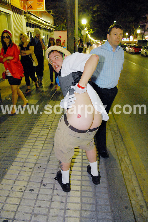 **ALL ROUND EXCLUSIVE PICTURES FROM SOLARPIX.COM**.**WORLDWIDE SYNDICATION RIGHTS**.PIctures show tonight's festivities at Salou fest 2010, in Salou near Barcelona, Spain, where up to 5000 British students take part in sports in the daytime, and then begin drinking on the beach to party until the early hours of the morning. Salou, Spain. 31 March 2010..This pic: Saloufest 2010, British students in the streets of Salou..JOB REF: 11025 NSP    DATE: 31_03_2010.**MUST CREDIT SOLARPIX.COM OR DOUBLE FEE WILL BE CHARGED**.**MUST AGREE FEE BEFORE ONLINE USAGE**.**CALL US ON: +34 952 811 768 or LOW RATE FROM UK 0844 617 7637**