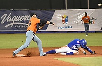 MONTERIA - COLOMBIA, 15-01-2020: Vaqueros de Montería y Gigantes de Barranquilla en partido 4 de la serie final de la Liga Profesional de Béisbol Colombiano temporada 2019-2020 jugado en el estadio estadio Dieciocho de Junio de la ciudad de Montería. / Vaqueros de Monteria and Gigantes de Barranquilla in match 4 final serie as part Colombian Baseball Professional League season 2019-2020 played at Baseball Stadium on June 18 in Monteria city. Photo: VizzorImage / Andres Felipe Lopez / Cont