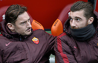 Calcio, Serie A: Roma vs Hellas Verona. Roma, stadio Olimpico, 17 gennaio 2016.<br /> Roma's Francesco Totti, left, and goalkeeper Morgan De Sanctis sit on the bench during the Italian Serie A football match between Roma and Hellas Verona at Rome's Olympic stadium, 17 January 2016.<br /> UPDATE IMAGES PRESS/Isabella Bonotto