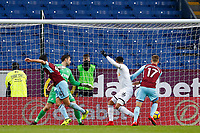 Jack Cork of Burnley scores his sides first goal during the Premier League match between Burnley and Swansea City at Turf Moor, Burnley, England, UK. Saturday 18 November 2017
