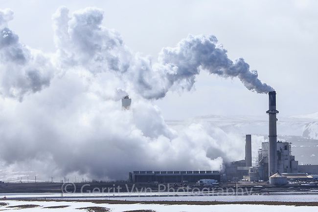 Naughton Power Plant is a coal-fired power station owned by PacifiCorp of MidAmerican Energy (part of Berkshire Hathaway) near Kemmerer, Wyoming.