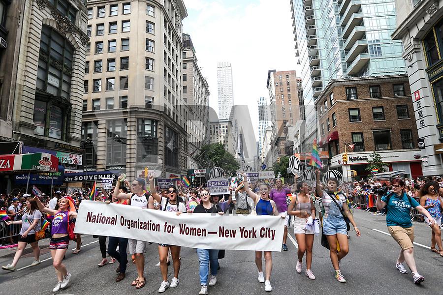 NEW YORK, EUA, 25.06.2017 - PARADA-NEW YORK - Participantes durante a Parada do Orgulho LGBT na cidade de New York nos Estados Unidos neste domingo, 25. (Foto: William Volcov/Brazil Photo Press)