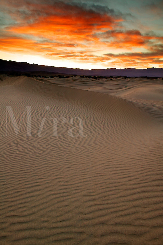 Sunrise over the sand dunes near Stovepipe Wells, Death Valley National Park, California