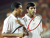 20030920, Zwolle, Davis Cup, NL-India, rowan Bopanna and Mahesh Bhupathi