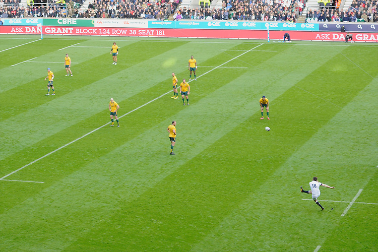Owen Farrell of England takes a penalty kick during the QBE Autumn International match for the Cook Cup between England and Australia at Twickenham on Saturday 2nd November 2013 (Photo by Rob Munro)