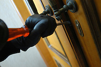 Furti in appartamento. Robbery in an apartment.....