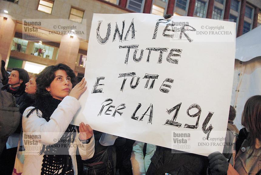 - women demonstration in defense of law 194 on the abortion....-  manifestazione donne in difesa della legge 194 sull'aborto