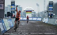 Pim Ronhaar (NED/Pauwels Sauzen-Bingoal) becoming the new U23 World Champion<br /> <br /> UCI 2021 Cyclocross World Championships - Ostend, Belgium<br /> <br /> U23 Men's Race<br /> <br /> ©kramon
