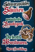 Europe/Allemagne/Bade-Würrtemberg/Forêt Noire/Klosterreichenbach: Enseigne d'un charcutier, spécialités de la Forêt Noire