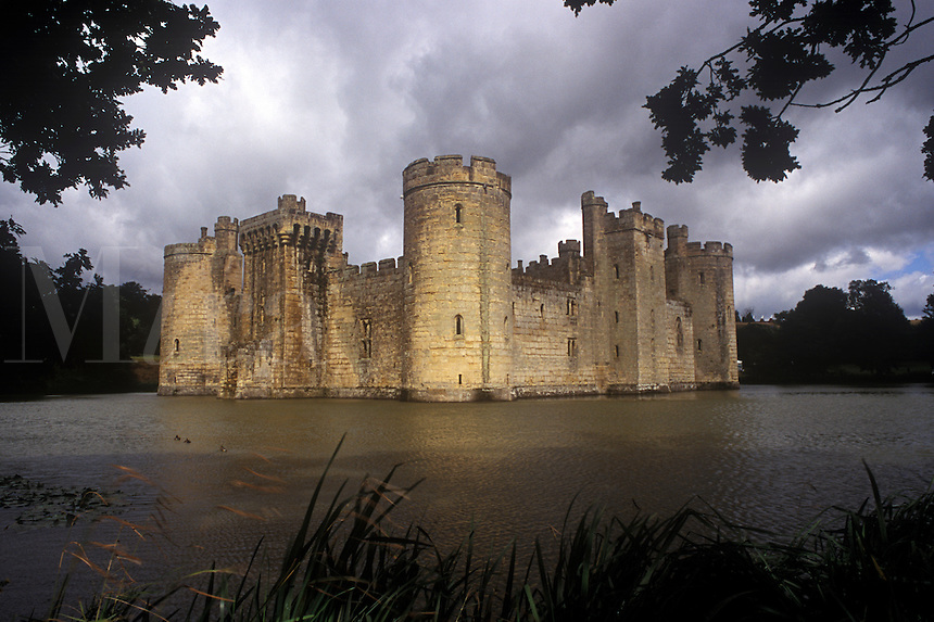 Bodium Castle surrounded by moat.  Kent, England, UK