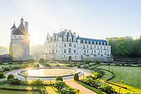 France, Indre-et-Loire (37), Chenonceaux, château et jardins de Chenonceau, jardin de Catherine de Médicis le matin