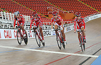 CALI – COLOMBIA – 01-14-2015: Equipo damas Persecusion de Hong Kong, durante entrenamiento en el Velodromo Alcides Nieto Patiño, sede de la III Copa Mundo UCI de Pista de Cali 2014-2015  / Hong Kong Pursuit team women during a training at the Alcides Nieto Patiño Velodrome, home of the III Cali Track World Cup 2014-2015 UCI. Photos: VizzorImage / Luis Ramirez / Staff.