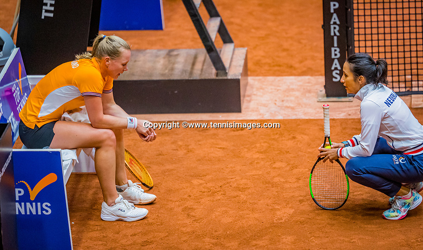 Den Bosch, The Netherlands, April 15, 2021,    Maaspoort, Billy Jean King Cup  Netherlands -  China : practice, coach EliseTamaëla (NED) with Kiki Bertens (NED)<br /> Photo: Tennisimages/Henk Koster