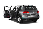 Car images of 2017 Volkswagen Touareg Sport 5 Door SUV Doors