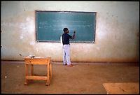 Mozambico, professore di un istituto tecnico a Nampula.