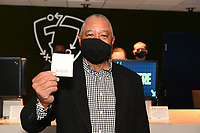 COLLINSVILLE, IL - MARCH 15:  Baseball Hall of Famer Ozzie Smith placed the first bet at the FanDuel Group announcement for the grand opening of the FanDuel Sportsbook inside FanDuel Sportsbook & Horse Racing (formerly Fairmount Racetrack) in Collinsville, Illinois on March 15, 2021. Smith placed a $10 wager (+2200) on the St. Louis Cardinals to win the World Series outright. (Photo by Michael Thomas/PictureGroup)