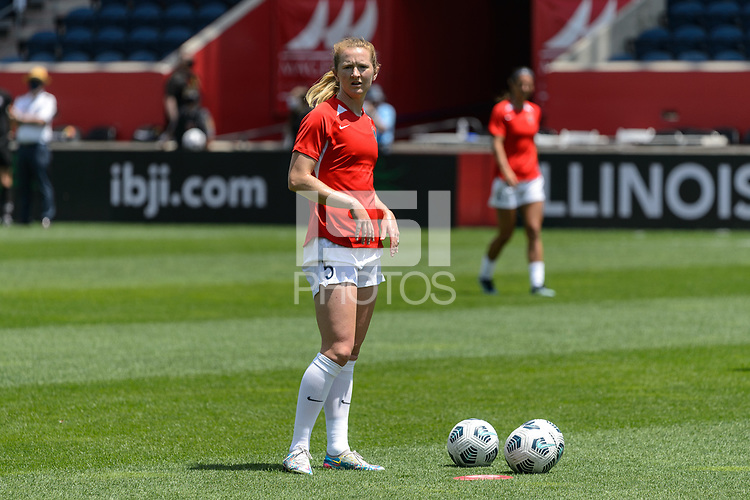BRIDGEVIEW, IL - JUNE 5: Sam Mewis #5 of the North Carolina Courage warms up before a game between North Carolina Courage and Chicago Red Stars at SeatGeek Stadium on June 5, 2021 in Bridgeview, Illinois.