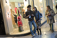 - shopping nel centro di Milano, corso Vittorio Emanuele e via Montenapoleone....- shopping in Milan downtown, Vittorio Emanuele and  Montenapoleone street