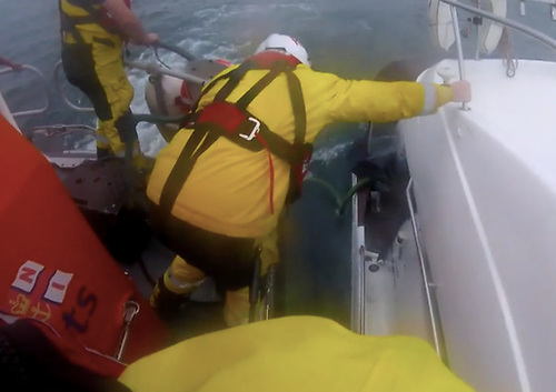 Portaferry & Newcastle Lifeboats Launch to Sinking Cabin Cruiser