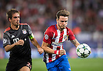 Saul Niguez of Atletico Madrid competes for the ball with Phillpp Lahm of FC Bayern Munich during their 2016-17 UEFA Champions League match between Atletico Madrid vs FC Bayern Munich at the Vicente Calderon Stadium on 28 September 2016 in Madrid, Spain. Photo by Diego Gonzalez Souto / Power Sport Images
