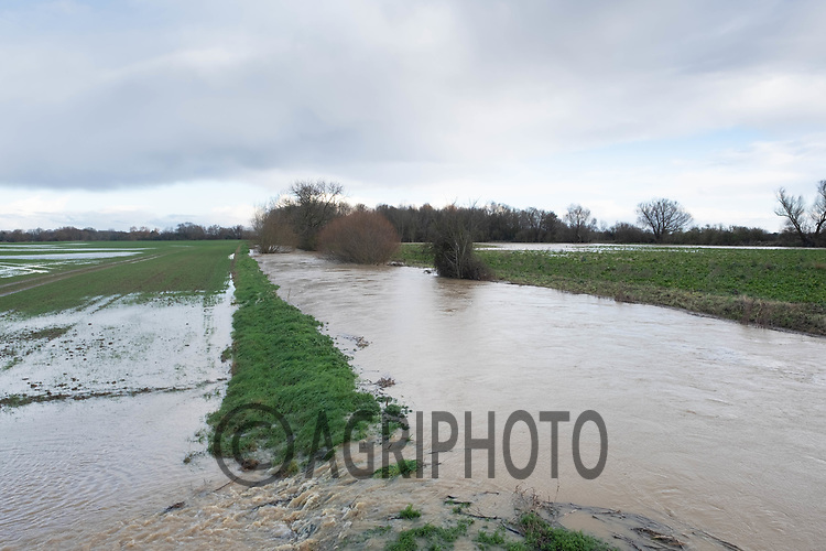 26/12/2020 Flooded farmland after heavy rainfall in South Lincolnshire <br /> ©Tim Scrivener Photographer 07850 303986<br />      ....Covering Agriculture In The UK....
