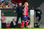 Atletico de Madrid's coach Diego Pablo Cholo Simeone with Antoine Griezmann during La Liga match. October 14,2017. (ALTERPHOTOS/Acero)
