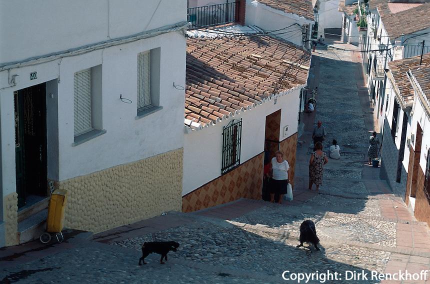 Spanien, Andalusien, Altstadtgasse in Velez-Malaga