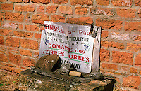 The sign indicating the Domaine des Terres Dorees (Jean-Paul Brun) in Beaujolais, Bourgogne