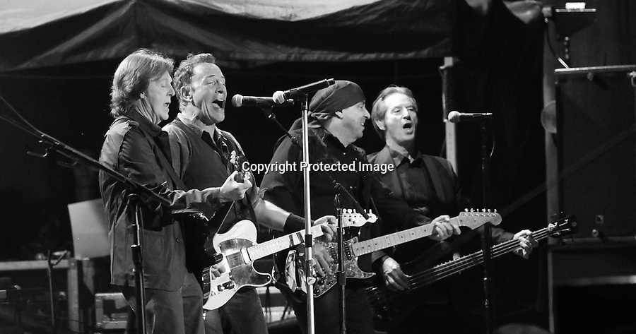 Bruce Springsteen and the E Street Band - Hard Rock Calling 2012