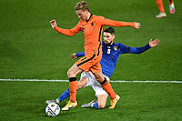 Frenkie de Jong of Netherlands and Jorginho Jorge Luis Frello Filho of Italy compete for the ball during the Uefa Nation A League Group 1 football match between Italy and Netherlands at Atleti azzurri d Italia Stadium in Bergamo (Italy), October, 14, 2020. Photo Andrea Staccioli / Insidefoto