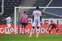3rd January 2021; Dragao Stadium, Porto, Portugal; Portuguese Championship 2020/2021, FC Porto versus Moreirense; Sérgio Oliveira of FC Porto takes the penalty kick and scores his goal in the 22th minute 1-0