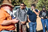 Diego Barrales.<br /> Madrense Discovery  Expedición (MDE) GreaterGood.org, en la sierra la Elenita, para la realización de un inventario biológico con un gran grupo de participantes para la observación de animales y plantas, entre los que se encientan especialistas de distintas disciplinas de la biología de Mexico y USA, conservacionistas, astrónomos, Comisión Nacional de Areas Naturales Protegidas (CONANP), ademas de la participación de universidades como UNAM, UNISON, ITSC, Universidad de la Sierra<br /> <br /> Los datos que se recaban en estas expediciones sirven como información de referencia para entender mejor las relaciones biológicas del Archipiélago Madrense y se usan para proteger y conservar las tierras vírgenes de las Islas Serranas de Sonora Mexico. Esta expedición binacional se unieron colaboradores tanto de México como de Estados Unidos con experiencias y especialidades muy variadas, con la intención de aprender lo más posible sobre la Sierra la Elenita.