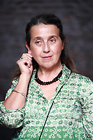 """""""Il giardino che vorrei"""" di Pia Pera: il libro perfetto per rasserenare l'animo. Anche solo immaginare di curare un angolo verde può essere di aiuto ... Mantova, 14 settembre 2009. Photo by Leonardo Cendamo"""
