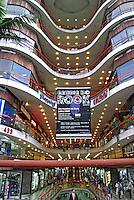 Galeria do Rock em São Paulo. 2009. Foto de Juca Martins.