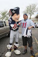 Maskottchen Pat the Patriot begrüßt die Fans - New England Patriots Fanclub Arizona Fan Rally in Phoenix