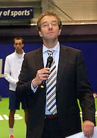 18-12-10, Tennis, Rotterdam, Reaal Tennis Masters 2010, Speaker Robert Reimering met op de achtergrond Thomas Schoorel