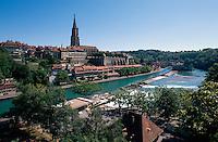 Schweiz, Blick auf Münster und Aare in Bern, Unesco-Weltkulturerbe