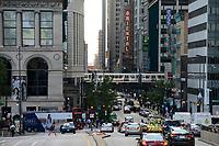 USA Chicago, down town, traffic and metro train at Michigan Avenue / Stadtzentrum mit Hochhaeusern und Metro Bahn
