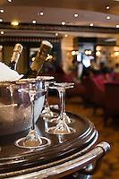 Europe/France/Provence-Alpes-Côte d'Azur/06/Alpes-Maritimes/Cannes: Rafraichissoir à champagne au  Bar de l'Hôtel Majestic à Cannes