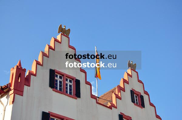 Gibel des Rathauses Oppenheim mit zwei Goldenen Adlern